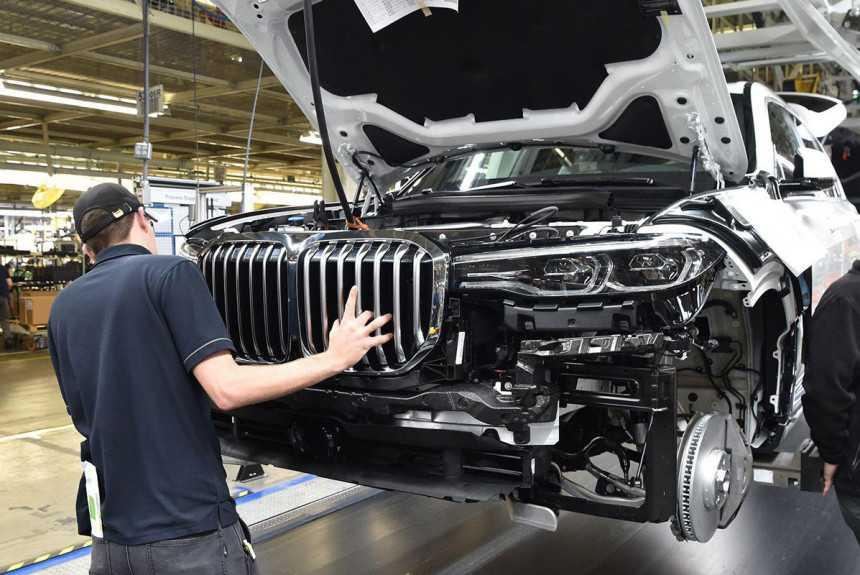 BMW не пожелала строить завод в РФ -