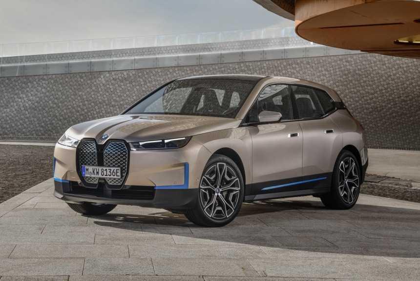 В России начались продажи двух новых моделей BMW | Новости | Известия | 29.05.2020