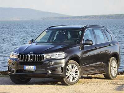 BMW рассекретила цены на X5 российской сборки -