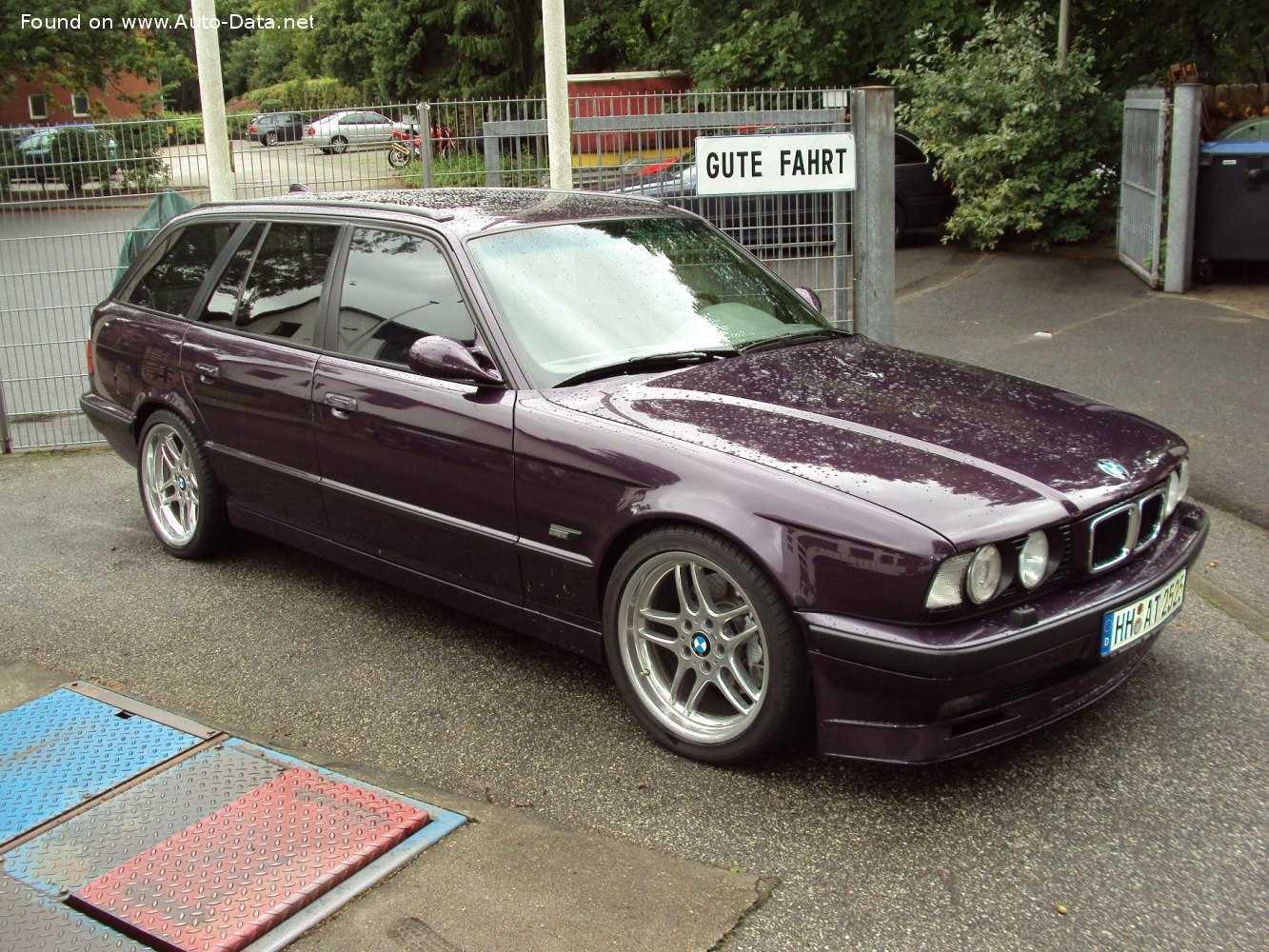 Технические характеристики BMW 320i (E46), 150 л.с., универсал, 5 дв., справочник по автомобилям BMW 320i (E46), 150 л.с. автокаталог, каталог авто.