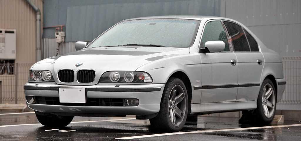 Блок предохранителей и реле BMW 3 E30
