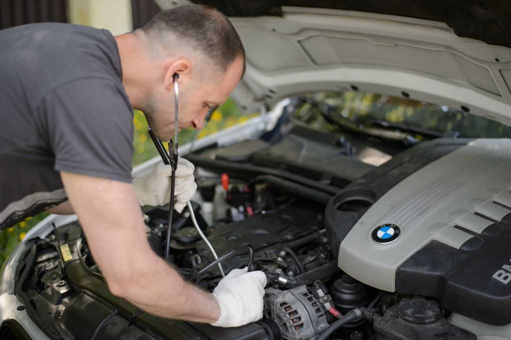 Причины стука в двигателе BMW