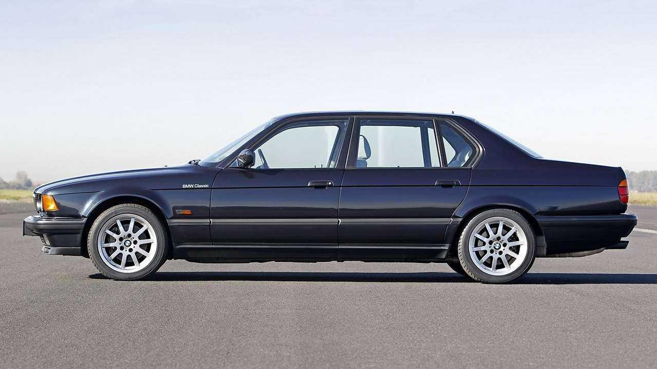 BMW 7-Series e32 (1986-1994) цена, технические характеристики, фото и видео