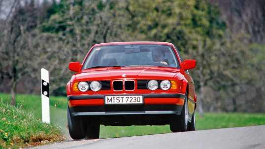 BMW M5 E60 - параметры - видео - фото
