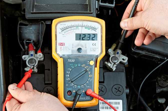 Напряжение аккумулятора автомобиля: таблица параметров заряженного и разряженного АКБ | 🔋⚡Автомобильные аккумуляторы