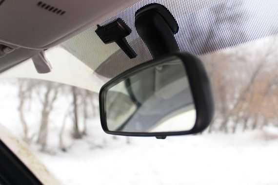 Чем приклеить автомобильное боковое зеркало заднего вида с подогревом?