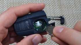 Замена батарейки в ключе BMW E60 E90 E70 E87 E92 E63 E71. Фото, инструкция как поменять батарейку брелока на БМВ