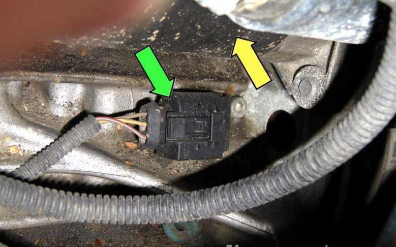 Замена датчика коленвала BMW E34 M50B25