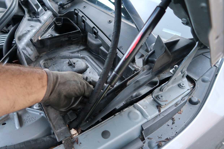 Купить бачки для тормозной жидкости для БМВ 7 серии (BMW 7-Series) в Москве — цены, фото, OEM-номера запчастей   ФарПост